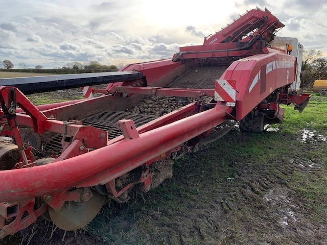 used-grimme-gt170s-harvester