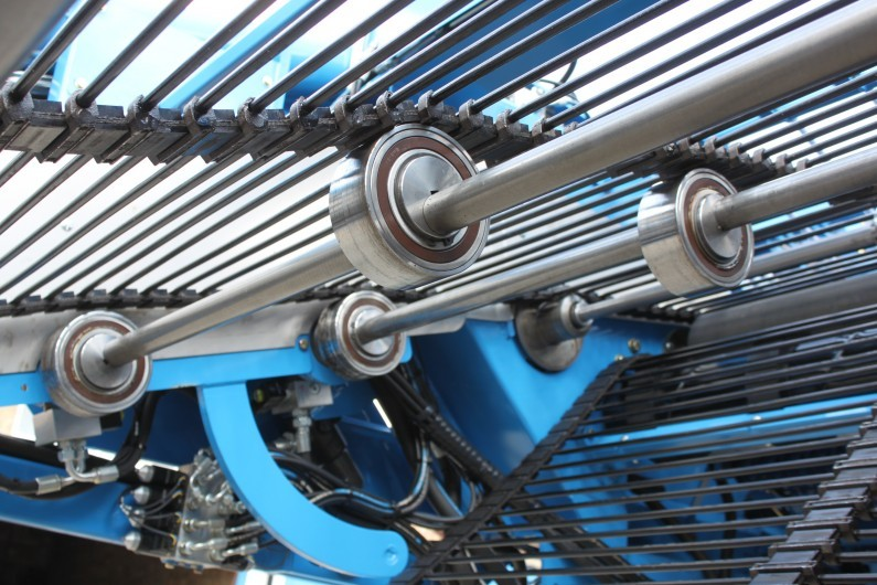 Standen T2 Potato Harvester large agitator rollers