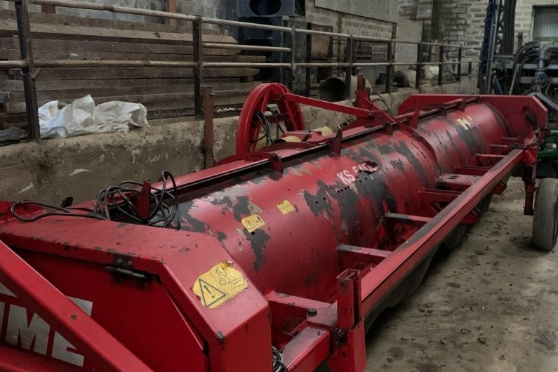 used-grimme-ks5400-6-row-haulm-topper