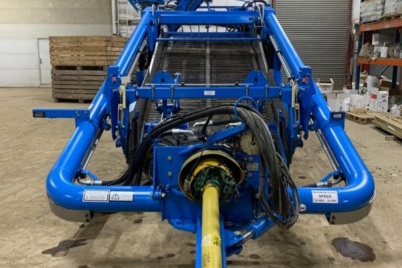 used-standen-t2-2-row-potato-harester-2020-253