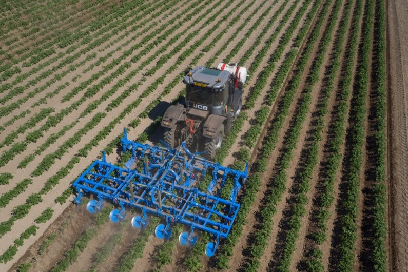 TARGET SET SRi™ 6-ROW with Standen Weeder Combination