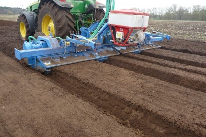 Video thumbnail for Standen Powavator Bed Tiller