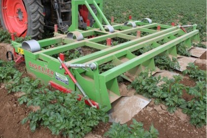 Video thumbnail for Baselier GKB Potato Cultivators